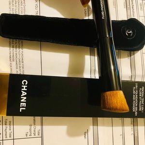 Powder & Foundation brush by Chanel!